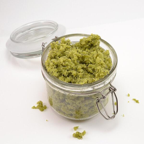 002-matcha-green-tea-sugar-scrub-dreamalittlebigger.jpg